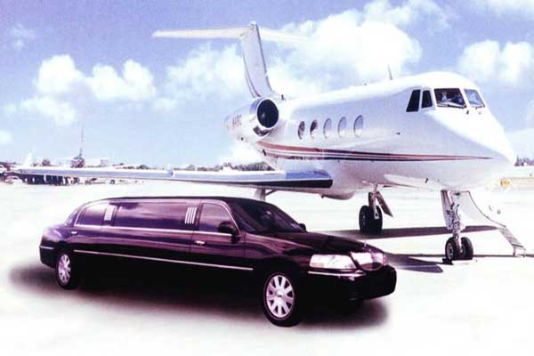 limo waiting passenger at jet landing